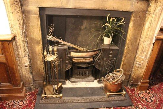 Brewers Fayre Llandoger Trow: Fireplace