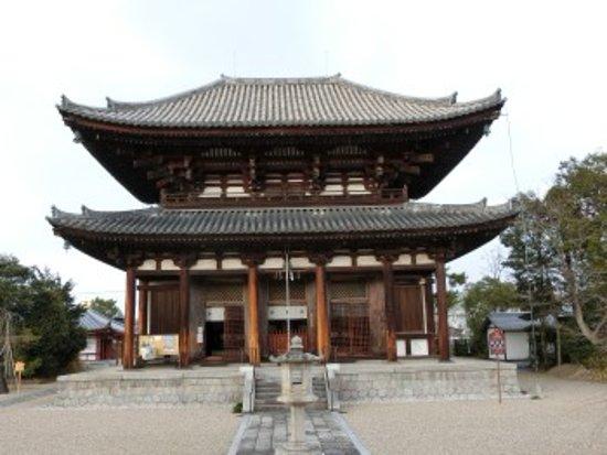 Kikoji Temple: 法相宗の寺院ですが、金堂と呼ばずに本堂と呼びます