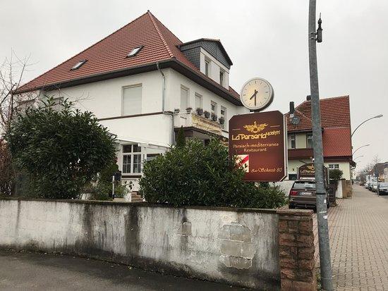 Schriesheim, Germany: Blick von der B3 ( Landstraße )