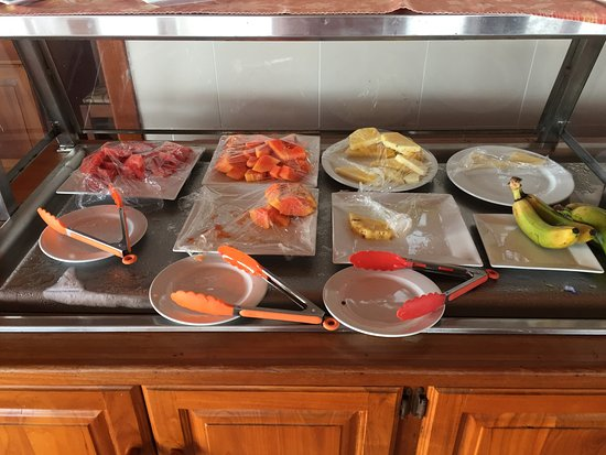 Le Grand Courlan Spa Resort: Entire fruit selection