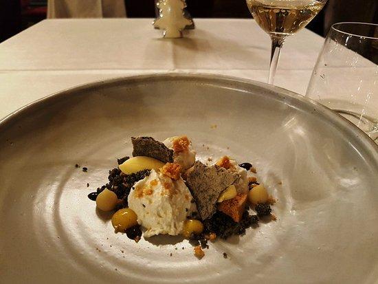 Salon Fine Dining Restaurant: Túró, méz, szezám, passió és körtejuice a desszert a Salon Étteremben