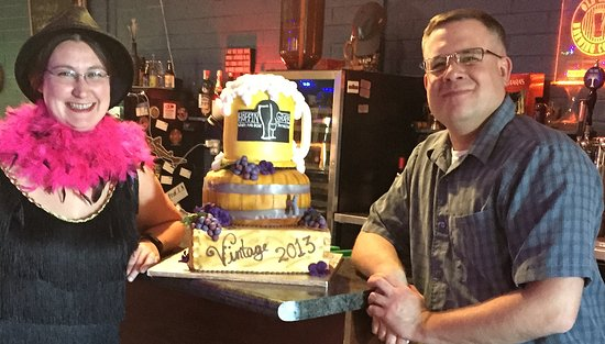 Hoppin' Grapes: Owners Celebrating 3 years open