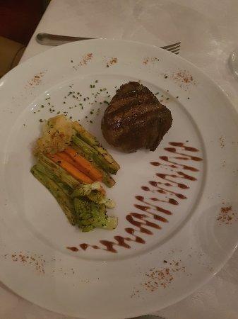Amis Restaurant Photo