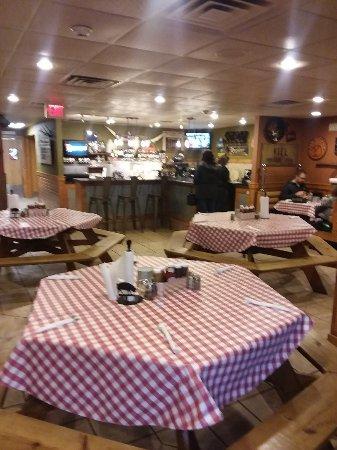 Parker John's BBQ & Pizza Kiel Picture