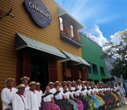 Los Chavales Grill Argentino y Mas: una alegria atender a las delegaciones de la Guelaguetza