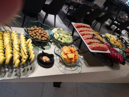 Bay Buffet Restaurant: fruit