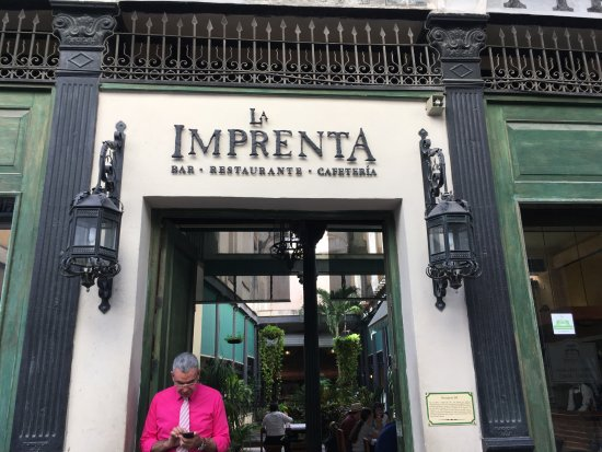 La Imprenta: main entrance