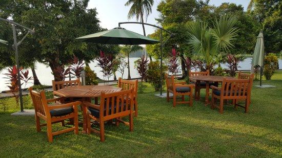 Inya Lake Hotel, Yangon Photo