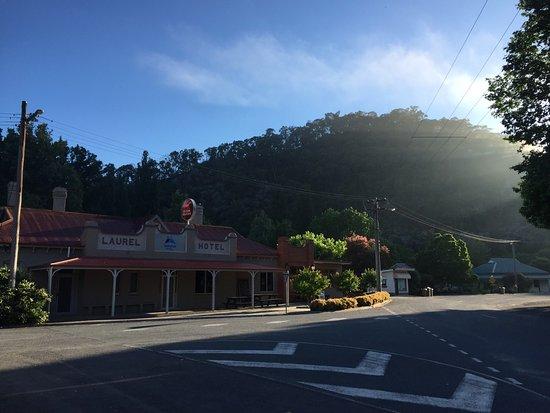 Mitta Mitta, Australia: Early morning at the Mitta pub
