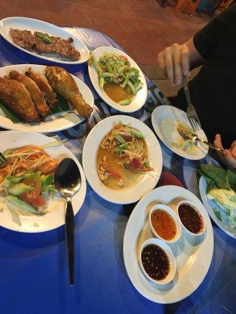 Roasted Chicken Hua Hin Restaurant: photo0.jpg