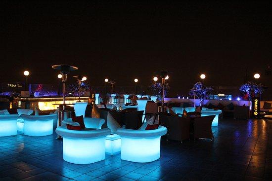 Sky Lounge Bar & Grill: SKY Lounge