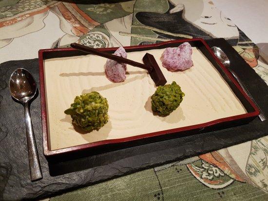 Minamo: Edible Zen garden (petit-fours)
