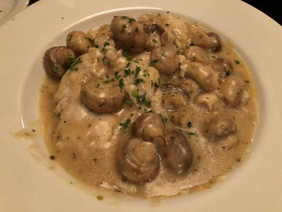 Carmine's Italian Restaurant: Chicken Marsala
