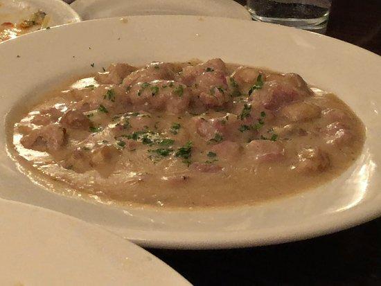 Carmine's Italian Restaurant: Veal Scallopine