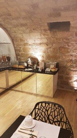 Hotel du Cadran Tour Eiffel: Breakfast grotto