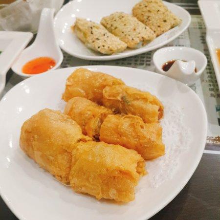 Pinjia Tea Restaurant: 三星蔥魚捲