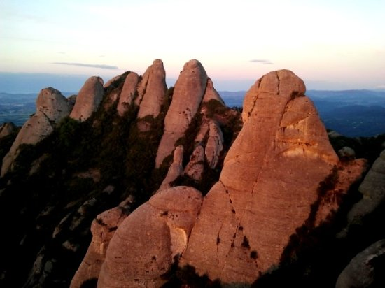 Monistrol de Montserrat, สเปน: gorros region at Montserrat, a very good place to be iniciated on multipitch climbing.