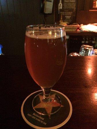 Ennis, Ierland: ビールで乾杯