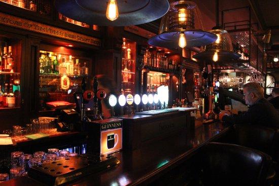 Ennis, Ierland: パブ・バーならではの光景