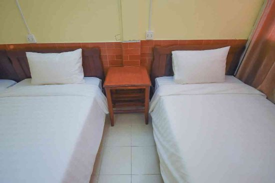 Intouch Guest House: Twin Bed