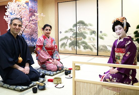 Kimono Tea Ceremony Maikoya Osaka