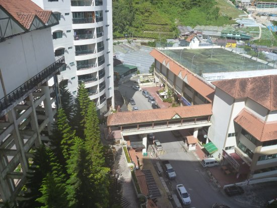 Copthorne Hotel Cameron Highlands: Breakfast and dinner were conveniently located near the hotel