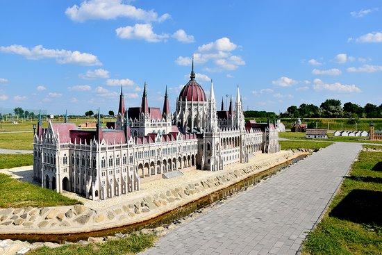 Morahalom, Hongrie : Országház, 1:25-ös méretarányban megjelenítve.