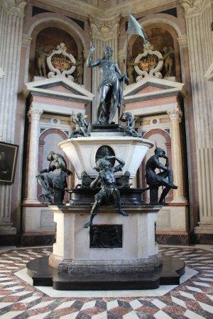 Mausoleum des Fursten Ernst