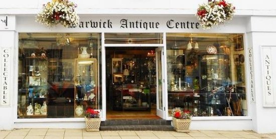 ‪‪Warwick‬, UK: Warwick Antique Centre store front.‬