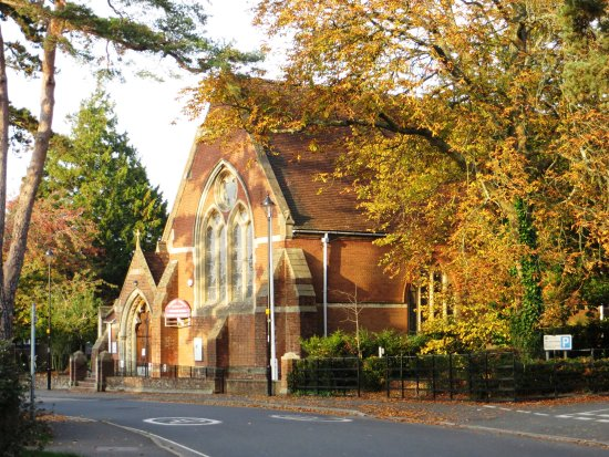 Hythe, UK: St John's Church in Autumn