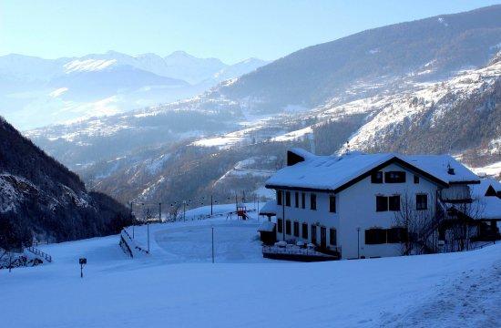 Valpelline, Ιταλία: Vue vers le bas de la vallée