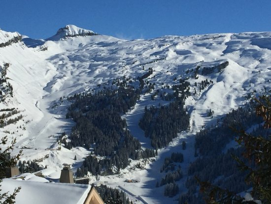 From the road into Flaine - a great view of the Serpentine, Faust ...