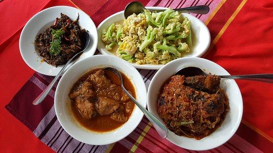 Set Meal - Picture of Padonmar Restaurant, Yangon (Rangoon