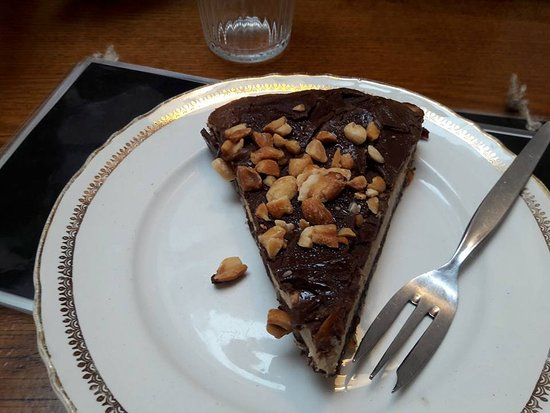 snickers taart Vegan Snickers taart   Picture of Gust, Ghent   TripAdvisor snickers taart