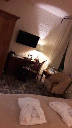 Savoy Boutique Hotel: 20171215_170416_large.jpg