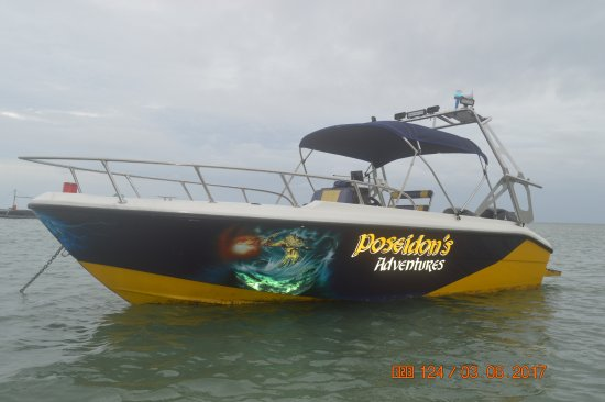 Poseidon's Adventures & Watersports: Our 7 meter 150 HP Speed Boat.