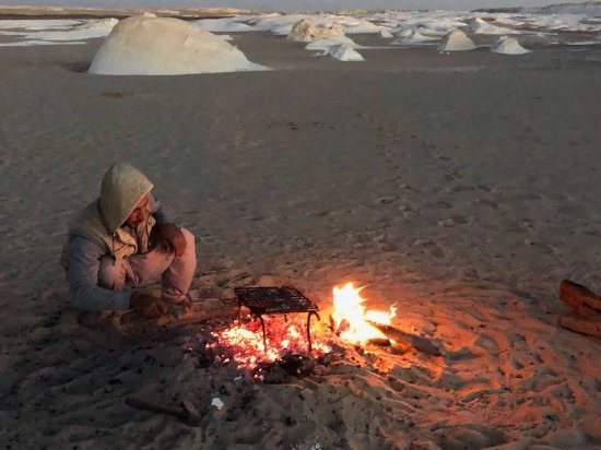 Egypt Western Desert Tours - Day Tour: cooking the best chicken I've ever had!