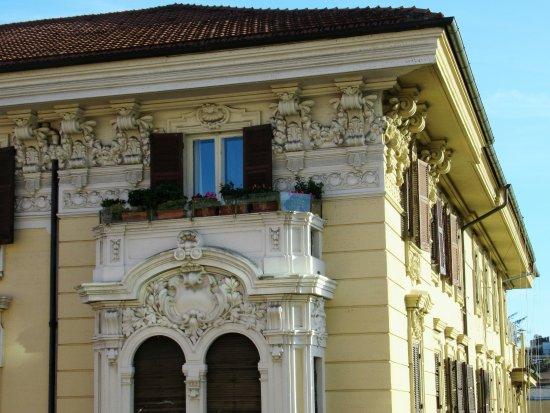 Hotel Romanico Palace: Kamer 434 - mooie Romeinse bouwstijl zichtbaar bij de overbuurman