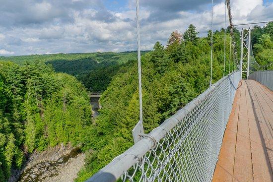 Parc de la Gorge de Coaticook: Le fameux plus haut pont suspendu d'Amérique du Nord
