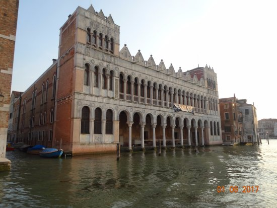 Дом в венеции сколько стоит снять дом в тайланде