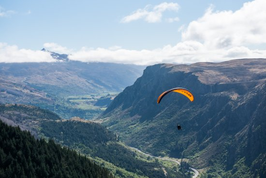 GForce Paragliding: The view looking up towards Coronet Peak