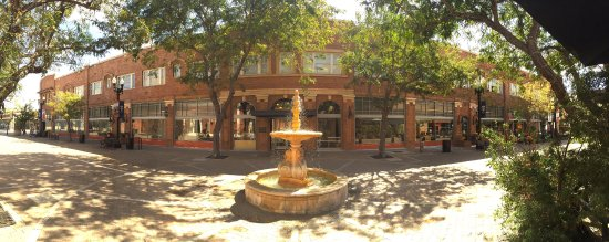 Santa Ana, CA: Grand Central Art Center at 2nd Street Promenade