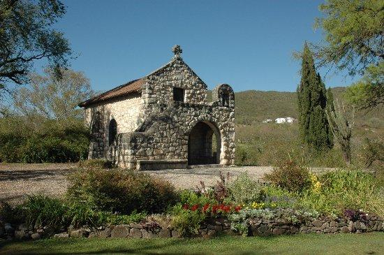 El Potrerillo de Larreta: Seperate Chapel