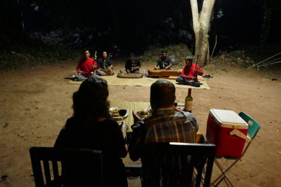 Banteay Meanchey Province, Camboya: Private dinner with local musicians