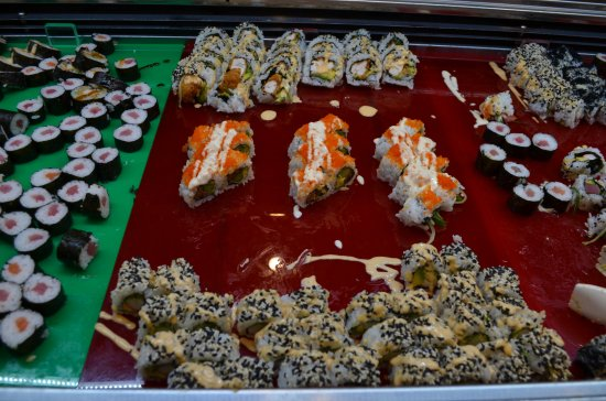 East Maitland, Australia: Freshly Made Sushi with several different varieties