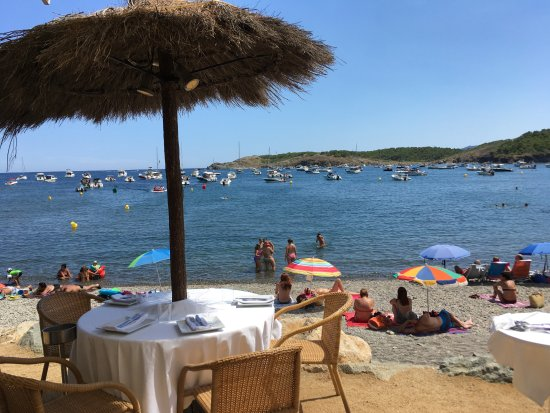 Restaurant Garbet: The restaurant is situated right by the water
