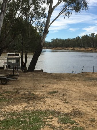 Moama, Avustralya: Brett Sands Watersports. What a position.