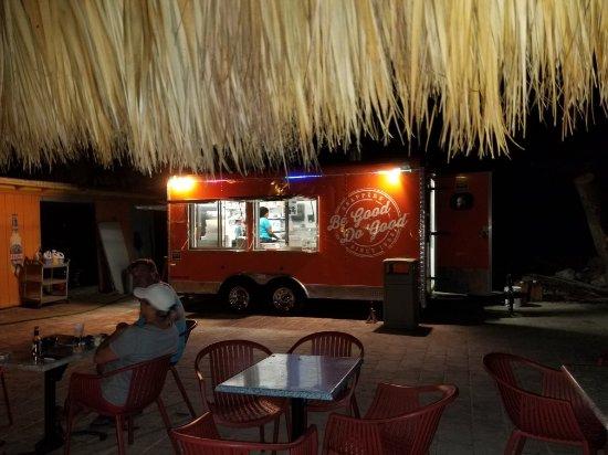 Snappers Oceanfront Restaurant & Bar: 20170927_202549_large.jpg