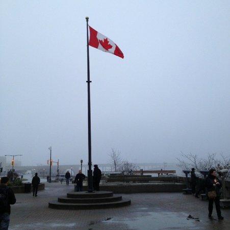 BG Tours Canada -  Toronto to Niagara Falls Day Tour Photo