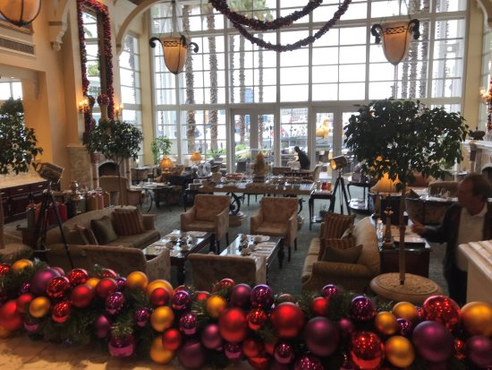 The Table Bay Hotel: Foyer - Pre-Christmas